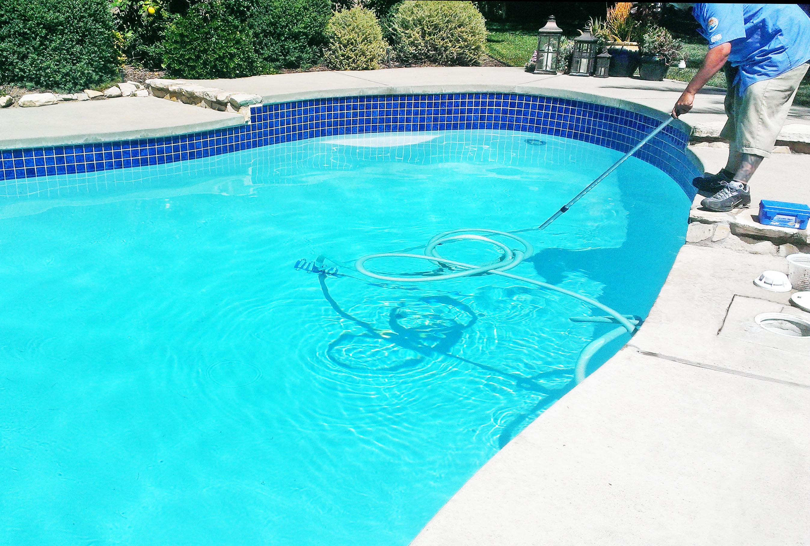 Hook up pool vakuum til skimmer